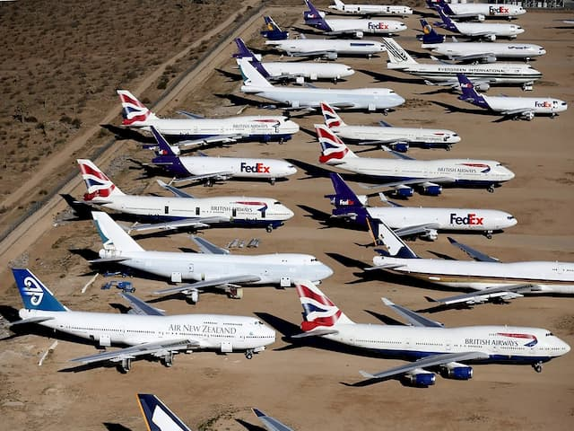 Потери авиакомпаниями из-за вируса растут