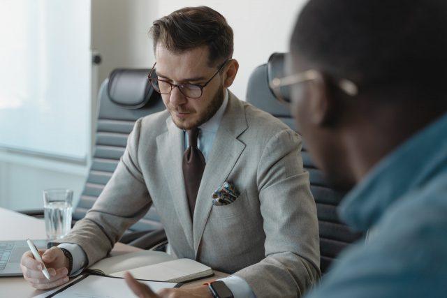 Как завоевать и удержать авторитет руководителю